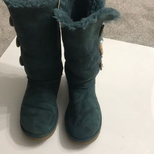 Ugg boot green size 7 in very good shape